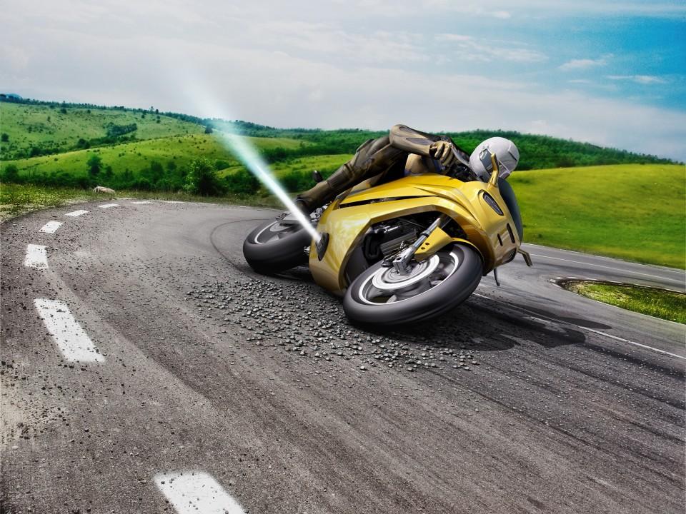 Компания Bosch предложила повысить устойчивость мотоцикла на скользкой дороге струей газа