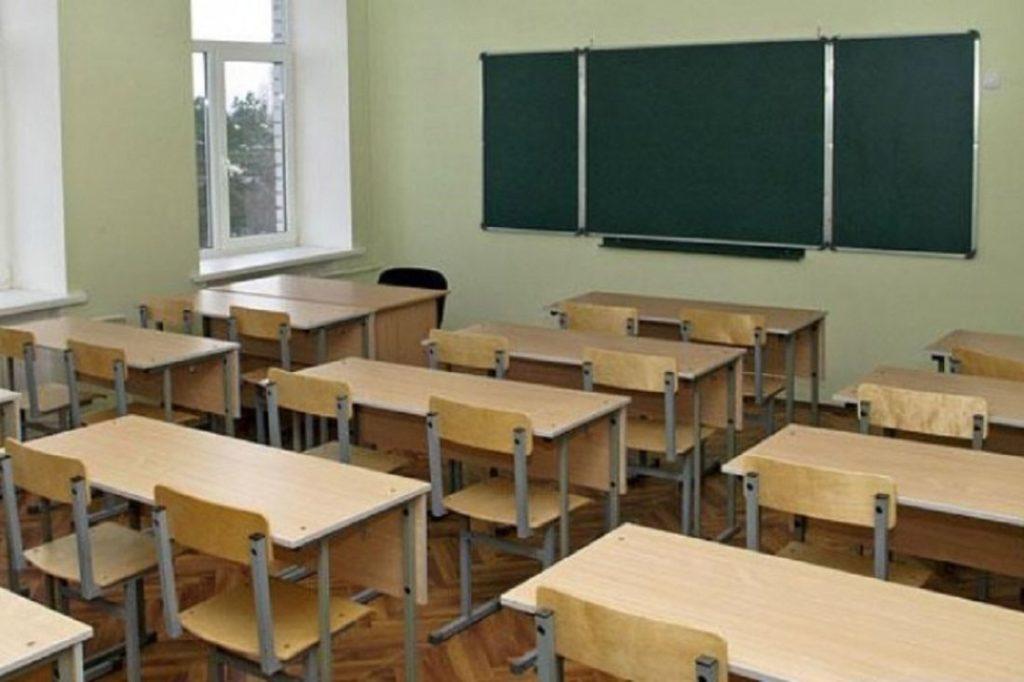Проблема остается прежней: зарплаты учителей в России во многих регионах не соответствуют данным Росстата