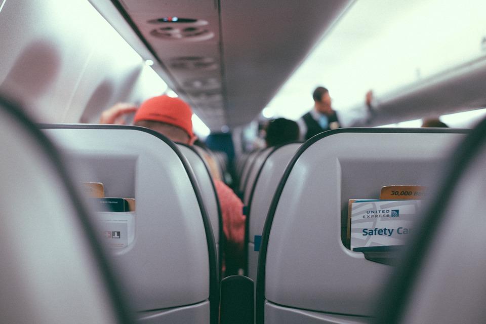 За что гражданину могут не продать авиабилет и не пустить на борт самолёта?