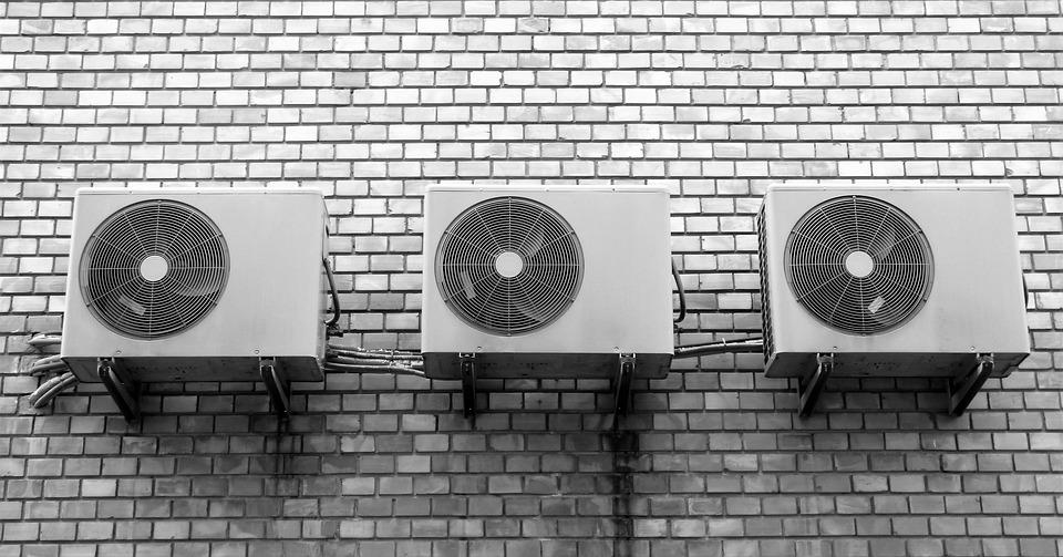Роструд напомнил работодателям о необходимости сокращения рабочего времени в жару