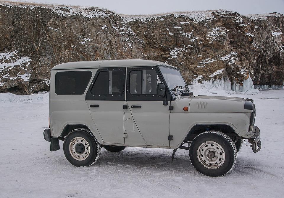 Личные автомобили жителей России поставят на воинский учет