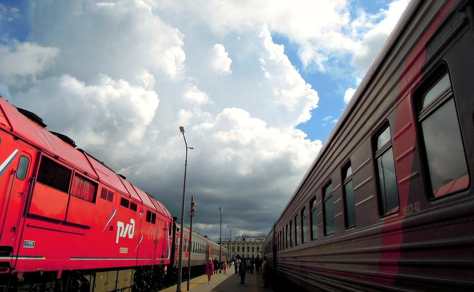 «Федеральная пассажирская компания» (ФПК) собирается создать временный «лоукостер» из старых вагонов