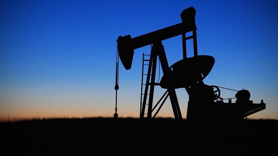 Почему россияне не получают выплаты с нефтяных доходов?