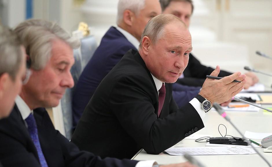 Владимир Путин: Экономика России находится на подъеме