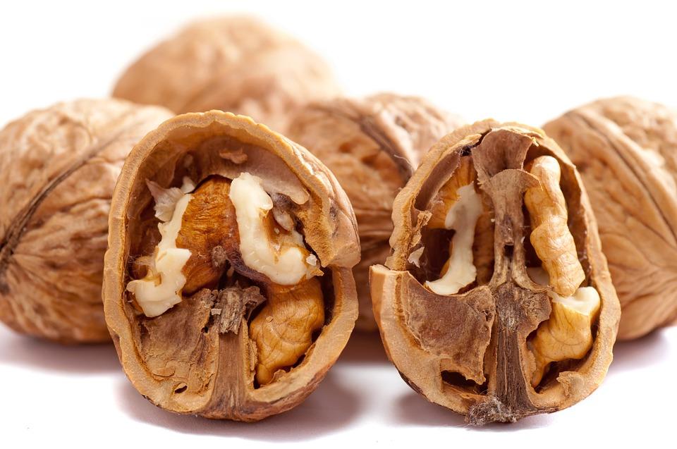 При диабете орехи могут уменьшить риск сердечно-сосудистых заболеваний