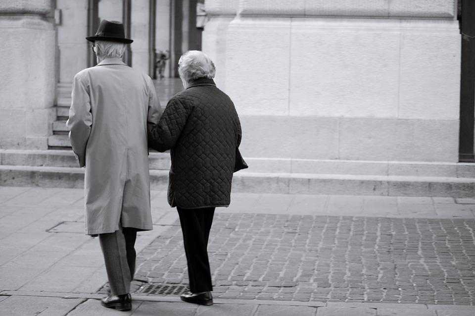 Пенсионерам в мае пенсию выплатят раньше установленного срока