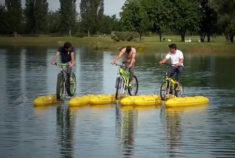 Приспособление для превращения велосипеда в катамаран