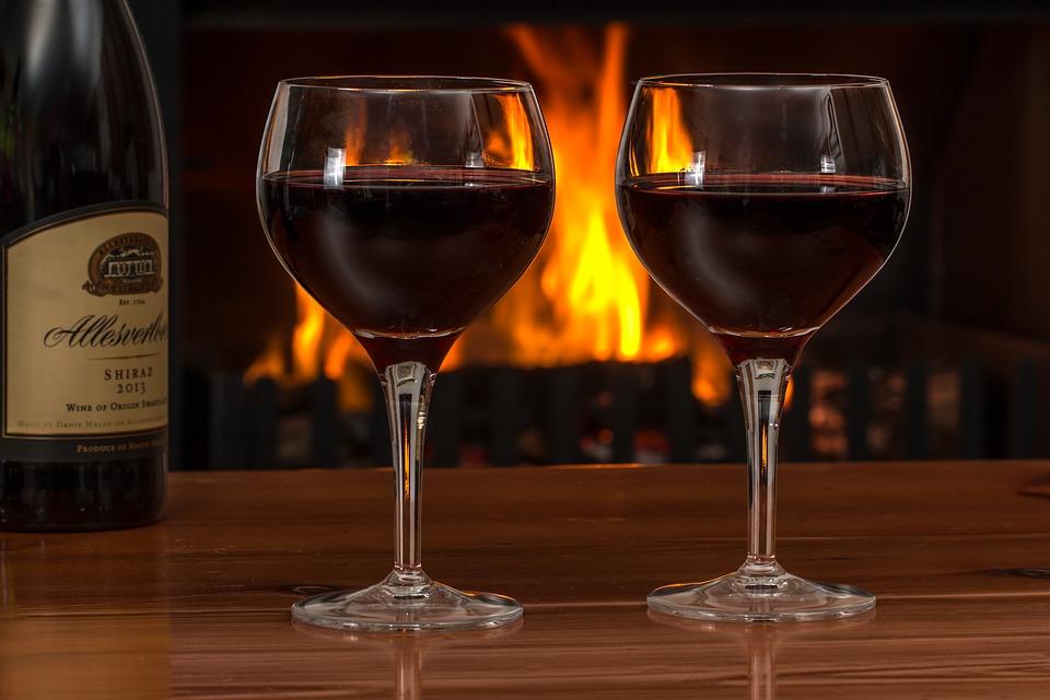В России в министерствах и ведомствах на официальных приемах больше не будет импортных вин