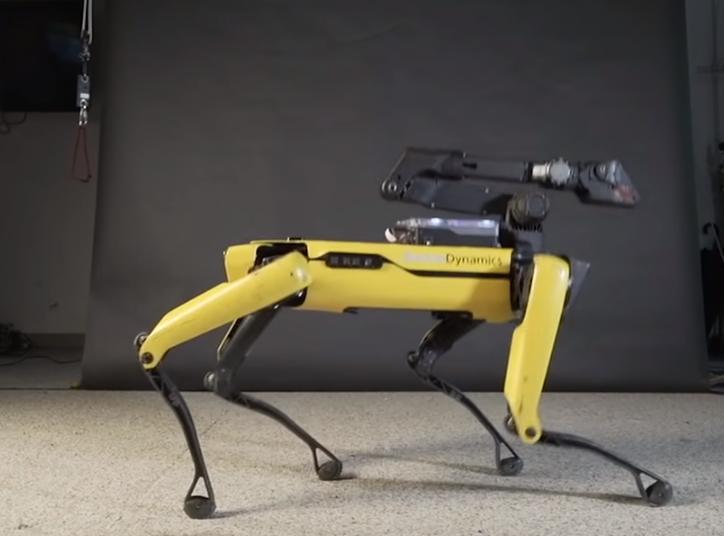 Робота собаку от Boston Dynamics теперь можно купить