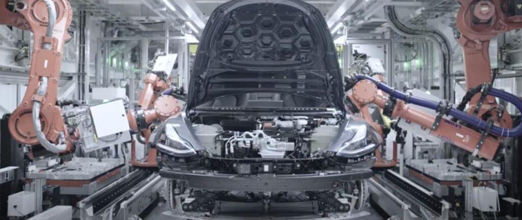 Почему в России мало роботов на промышленном производстве