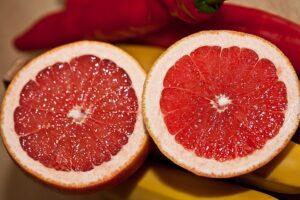 Грейпфрут. Есть ли польза для здоровья, возможен ли вред.