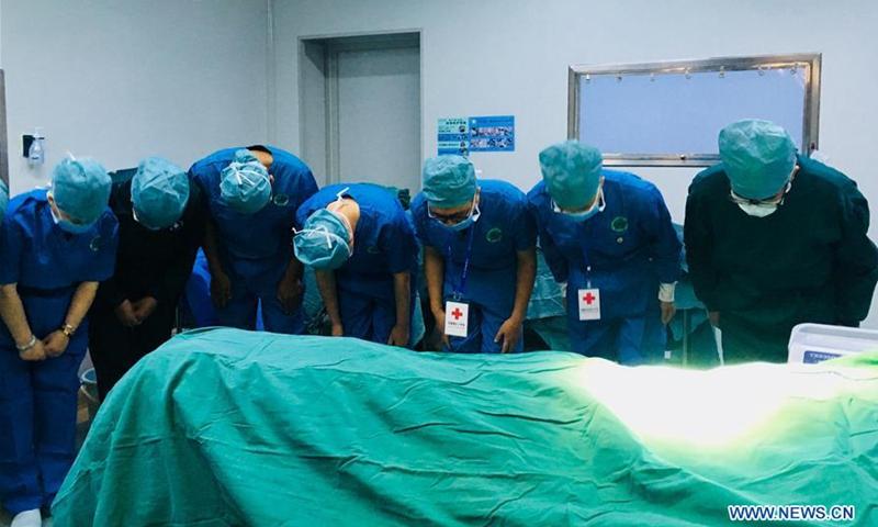 Граждане Китая жертвуют свои органы для использования при трансплантации после их смерти
