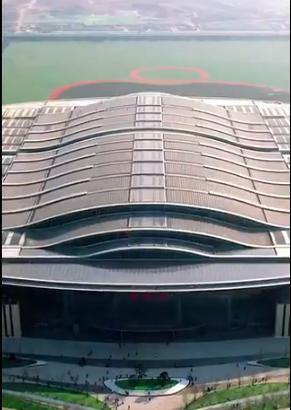 Фотоэлектрическая система производства электроэнергии на крыше вокзала