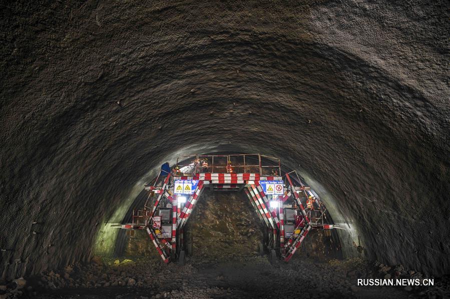 Передовые технологии позволяют быстрее строить скоростной туннель в Китае