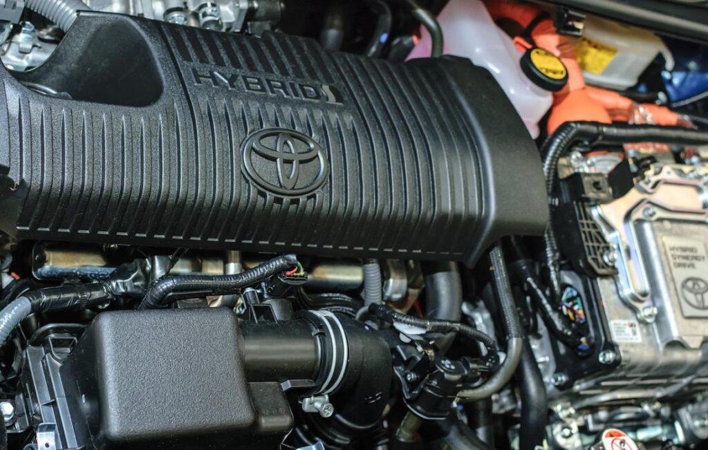 Испытания гибридных автомобилей показывают на практике более высокие выбросы углекислого газа и потребляют больше топлива, чем ожидалось. Почему?