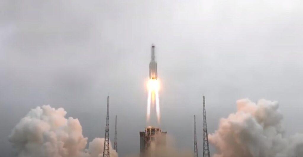 На Землю в выходные могут упасть части китайской ракеты. Куда они упадут?