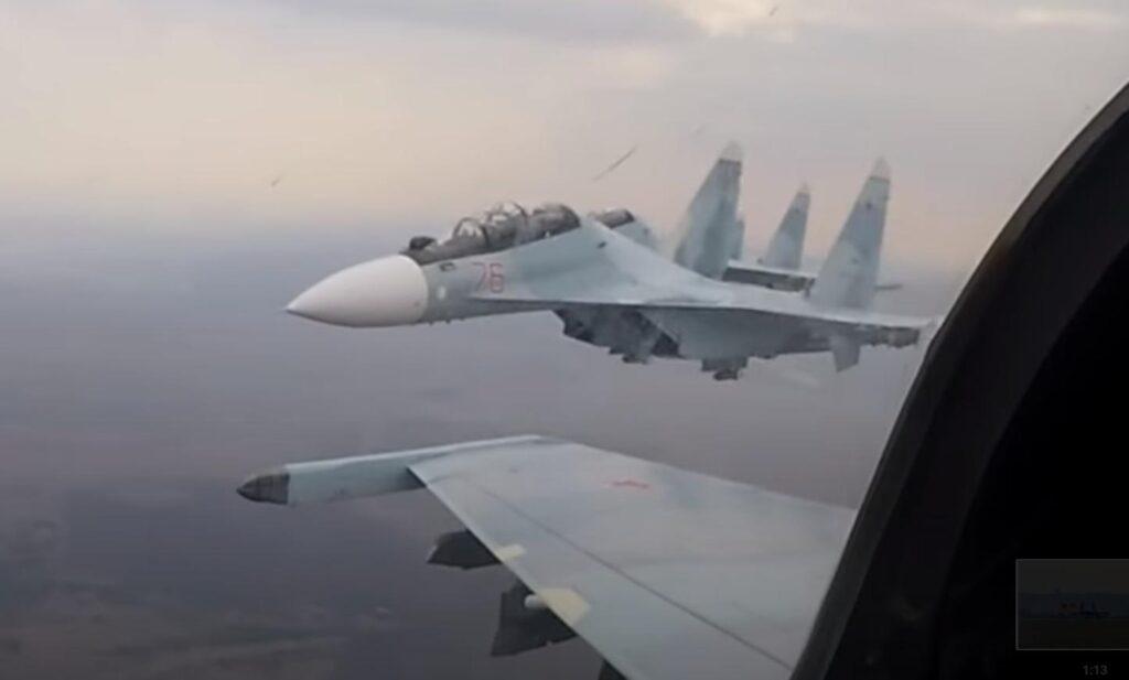 Так выглядит экзамен летчика-истребителя Су-30. Эффектное видео от Минобороны России