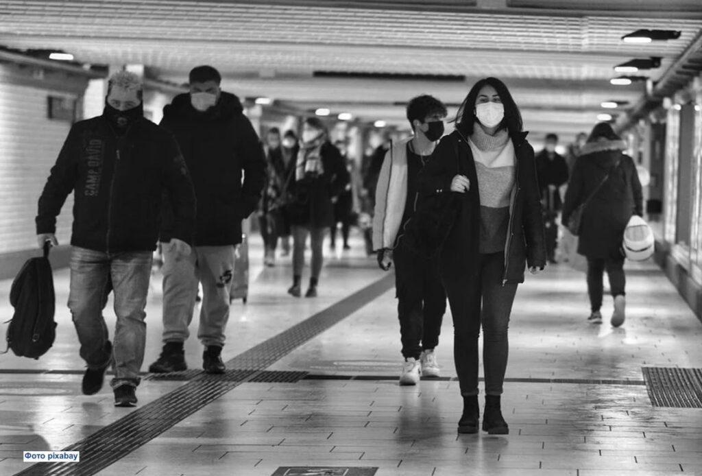 Культура является одним из основных определяющих факторов того, сколько людей носят маски во время пандемии
