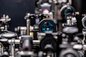 IBM и Сколтех создали сверхбыстрый и чрезвычайно энергосберегающий оптический коммутатор